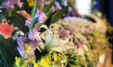 お別れ花 花祭壇